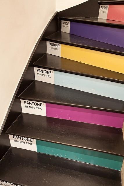 Escada Pantone