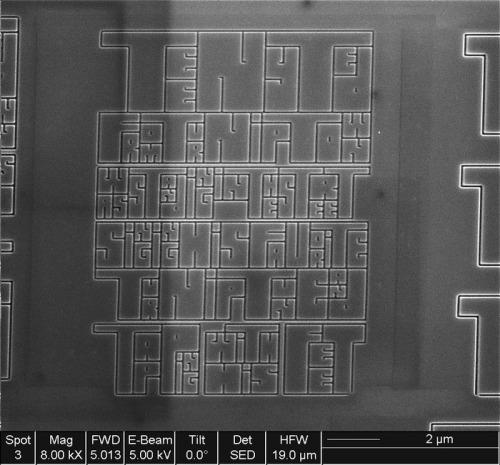 Reprodução do livro Teeny Ted from Turnip Town por um microscópio eletrônico